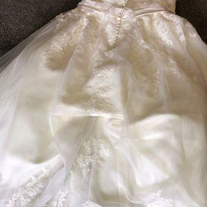 Dresses - Best Wedding Dress Ever! I felt like a princess!